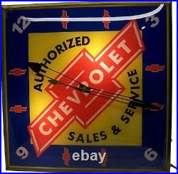 Very Nice Vintage CHEVROLET Authorized Sales & Service Lighted Electric Clock